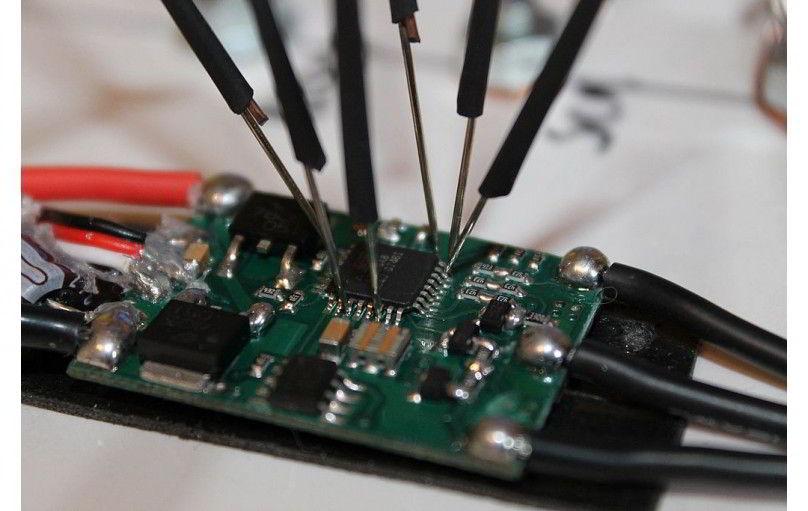 ESC - электронные регуляторы скорости (оборотов) квадрокоптера